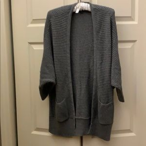 AE grey 3/4 dolman sleeve sweater SZ Lg/Xl